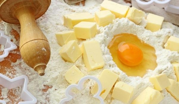 Сладко маслено тесто с яйца