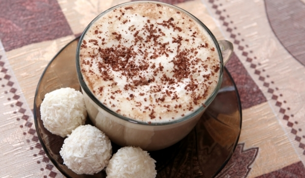 Бели бонбони с кокос