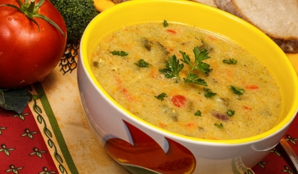 Пилешка супа по испански