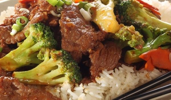 Пържено телешко месо с броколи