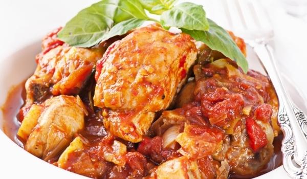 Пиле с домати