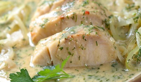 Печена риба със сметана