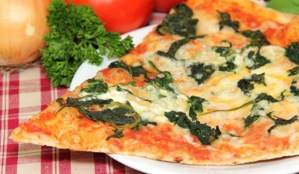 Спаначена пица