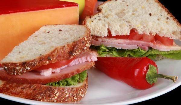 Подлютен клуб сандвич