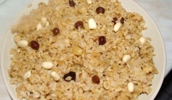 Ориз с фъстъци и стафиди